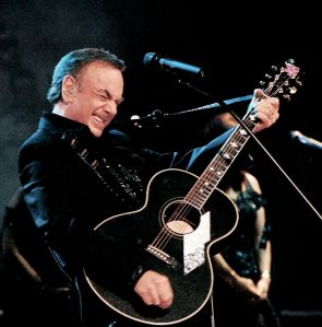 neil-diamond-playing-live
